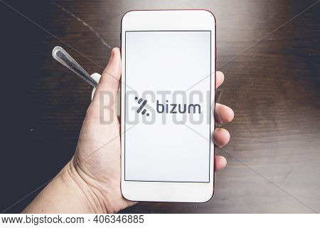 Spain, 02, 03, 2021. Detail Shot Of A Smartphone With The Bizum Application Home Screen Next To A Wh