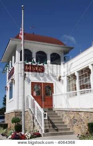 Diner Restaurant Exterior