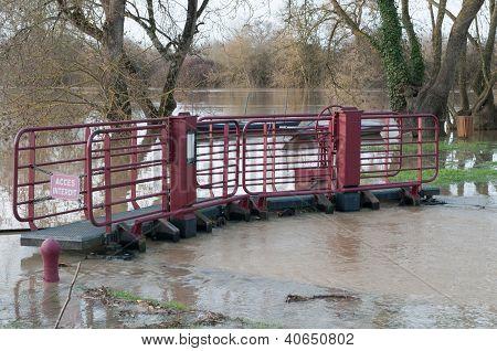 River Lock And Mayenne River Underflood (france)