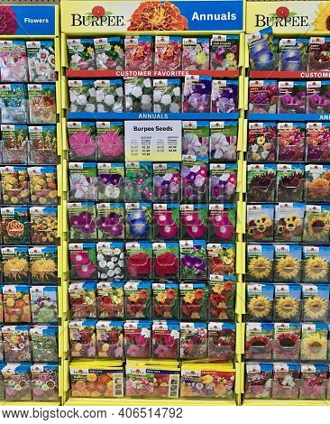 Spencer, Wisconsin, U.s.a.  February, 3, 2021  Burpee Seed Packets On Display In A Store    Burpee I