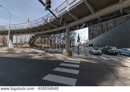 Chicago Il, Usa - March 2019: View Of E Grand Avenue And N Lake Shore Drive Overpass In Chicago Down