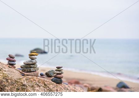 Calm View By The Beach, Inusuks Stone Stacking To Create A Calm And Cosy Atmosphere