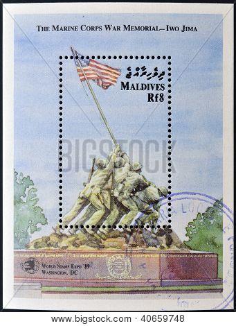 MALDIVES - CIRCA 1989: A stamp printed in Maldives shows Iwo Jima Memorial circa 1989