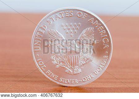 1oz Fine Silver One Dollar (bullion Coin). 1 Dollar American Silver Eagle.