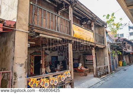 Bangkok/thailand-19 Jan 2020:old Building On Talat Noi.talat Noi Or Talad Noi Is A Historic Neighbou
