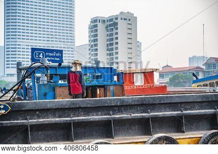 Bangkok/thailand-19 Jan 2020:unacquainted People On The Boat In Talat Noi Port.talad Noi (talat Noi)