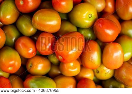 Ripe Tomatos Fresh And Healty Food, Green And Red Tomatoes, Texture And Overhead. Green Tomatoes Fad