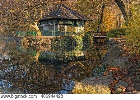 Lyon, France, November 27, 2020 : Fall In The Park. Parc De La Tete D'or Is One Of The Larger City P