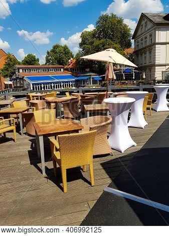 LÜneburg, Niedersachsen, Germany - Juli 27, 2018:\nrestaurant Terrace In The Center Of The City Lüne