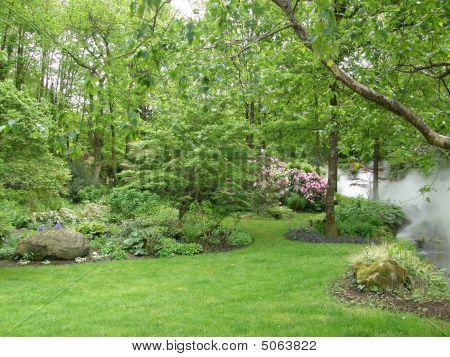 Puy Gardens Spring