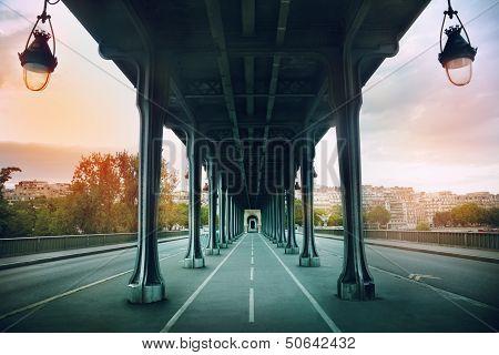 The Pont De Bir-hakeim Bridge