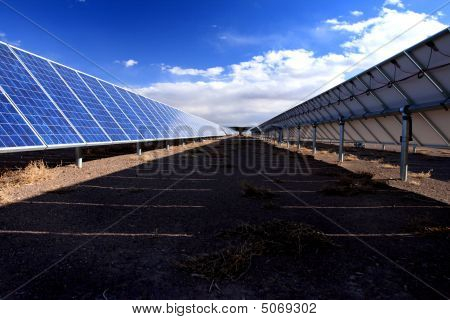 Solar-Panel-Zeile