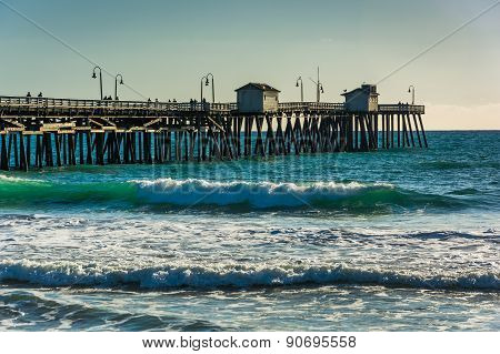 Waves In The Pacific Ocean And The Fishing Pier In San Clemente, California.
