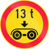 Road sign 347 in Finland - No vehicles with a overall weight per tandem axle above that shown on the sign poster
