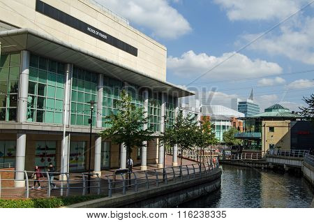 River Kennet At The Oracle Shopping Centre, Reading