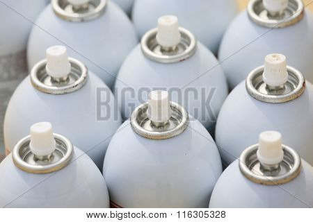 spray can in industry job, lubricator can for industry job, color in can and spraying or painting