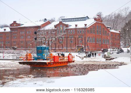 Ordinary People Go On City Boat Fori, Light Traffic Ferry