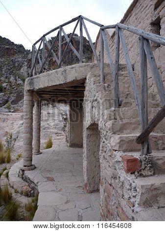 An Abandoned House In Cordillera De Los Frailes
