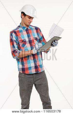 Engineer compares quantity surveying
