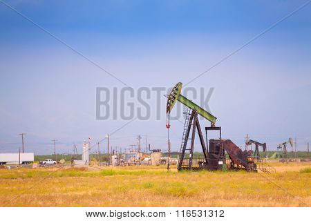 Extraction oil deposits at manufacturing zone
