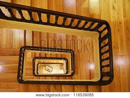 Staircase loop