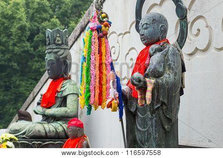 Guanyin (Chinese Goddess) and Jizo Bodhisattva at Osu Kannon temple in Nagoya Japan