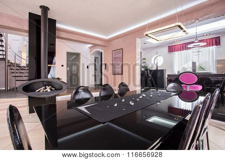 Luxurious Shiny Dining Room