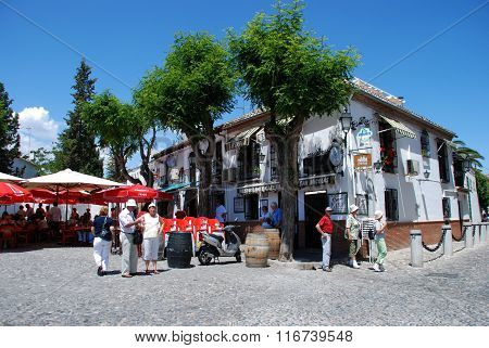 Pavement cafe, Granada.