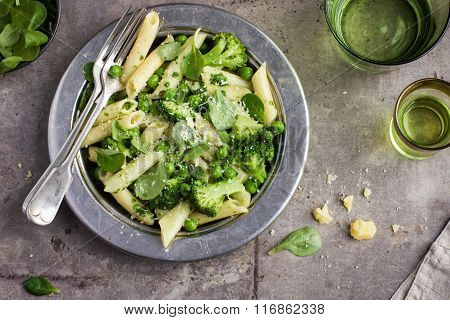 Penne  Pasta With Spinach Pesto Sauce, Green Peas And Broccoli