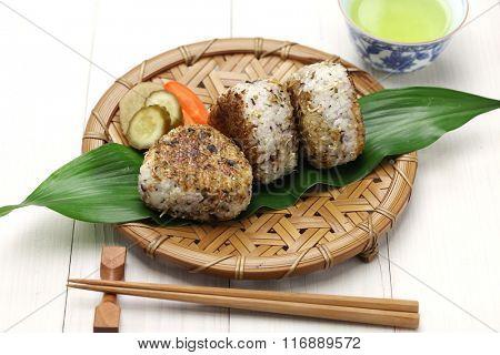 yaki onigiri, grilled rice balls, japanese food