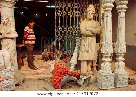Sculptores Making Columns And A Sculpture Of Swami Vivekananda