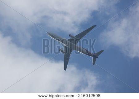 Hs-teo Airbus A330-300 Of Thaiairway Tg111