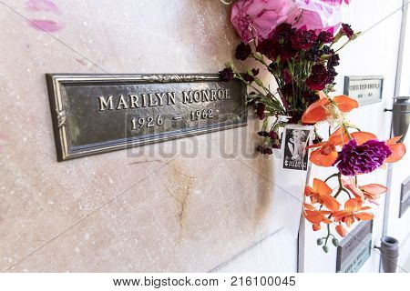 October 25, 2017 - Los Angeles, California, USA: Actress Marilyn Monroe's crypt with flowers and kisses at Westwood Memorial Park in Los Angeles, California.  Marilyn passed away on August 5th, 1962