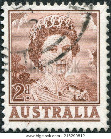 AUSTRALIA - CIRCA 1962: A stamp printed in Australia, shows Queen Elizabeth II, circa 1962