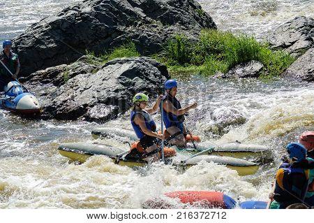 Beklenischevo Russia - June 12 2005: Water sportsmen in threshold