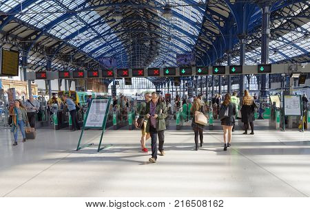 Brighton Great Britain - Jun 19 2017: People Walking In A Hurry In The Train Station In Brighton Uk.