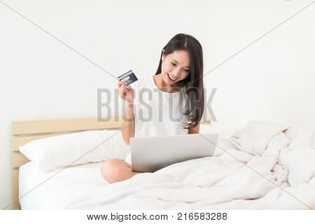 Woman use of laptop comupter for online shopping