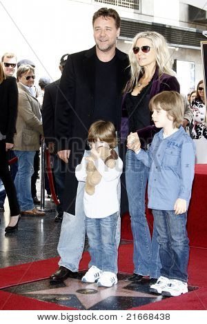 LOS ANGELES - APR 12: Russell Crowe, wife Danielle Spencer, sons Charles and Tennys at a ceremony where Russell Crowe is honored with a star on the Walk of Fame, Los Angeles, CA on April 12, 2010
