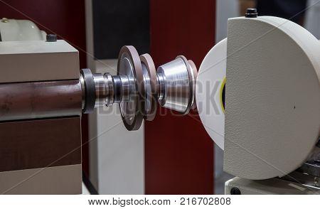 CNC cylindrical grinding machine making taper on shaft