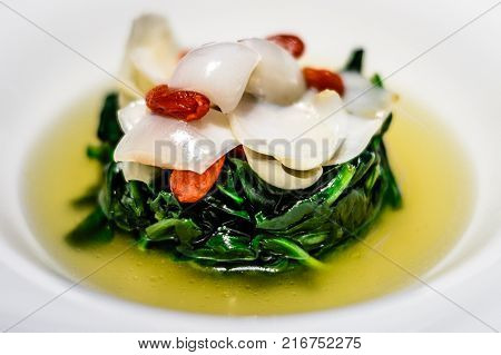 Simmered Australian baby spinach with wolfberry and fresh lily bulb