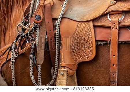 Beautiful Handicraft Cowboy Leather Saddle With Cute Details