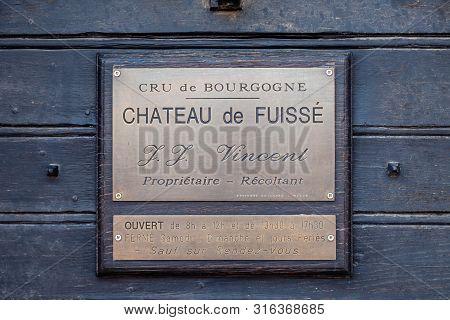 France Bourgogne 2019-06-20 Chateaux De Fuisse Cru De Bourgogne  Closeup Vintage Rectangular Shape M