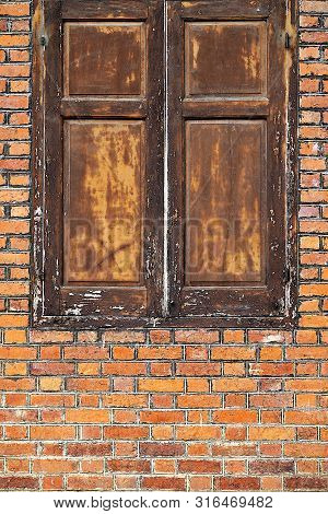Old Building Walls Over 100 Years Old Brick Old Window