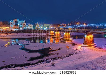 Uzhgorod, Ukraine - 06 Jan, 2019: Winter Dawn In Town. Wonderful Urban Scenery With City Light On Th