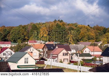 Kaliningrad Region, Russia, October 17, 2020. New Private Homes. The Village Near The Forest. Beauti