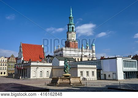 The Statue Of Neptune, Historic Buildings And The Tower Of The Renaissance Town Hall On The Market S