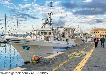 Syracuse, Sicily/italy - January 28 2018:fishing Boats Moored In The Pier Of Syracuse