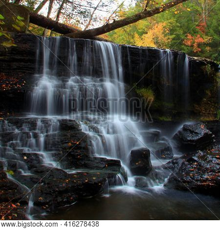 Potter Falls In Obed National Scenic River In Eastern Tennessee During Peak Falls Colors