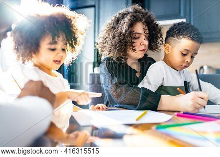 Cute Curly Afro Hair Girl And Boy Drawing With Her Mothers Parents Positive Education Tolerance Amaz