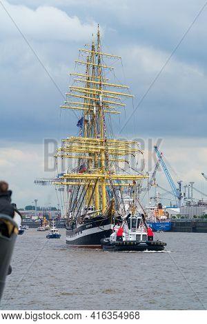 Port Birthday  2019, Hamburg, Germany, 10 May 2019. The Russian Four-masted Barque Kruzenshtern Is P